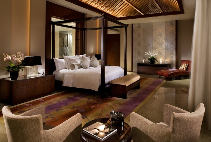 Ritz Carlton suite bedroom(丽思轩).jpg
